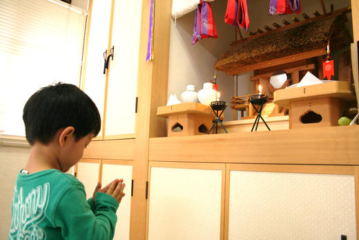 家相・風水からみた神棚と仏壇の設置に適した位置はどこ?